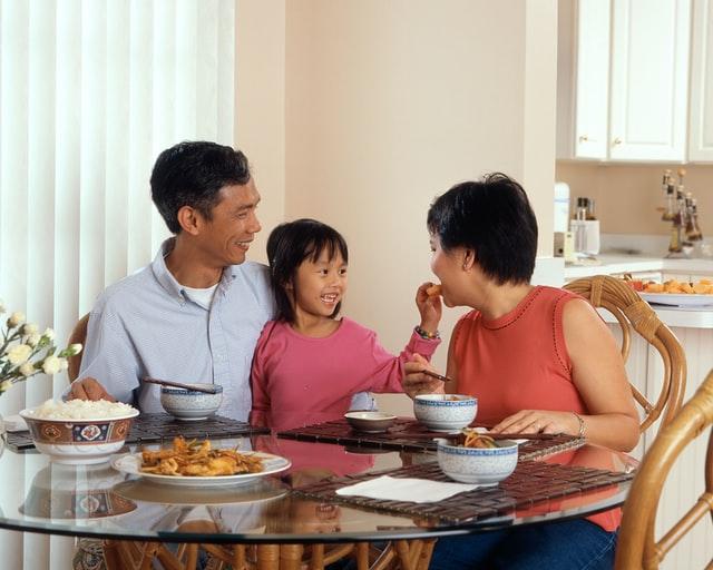 ขายของออนไลน์, อยู่ด้วยกัน, ครอบครัว